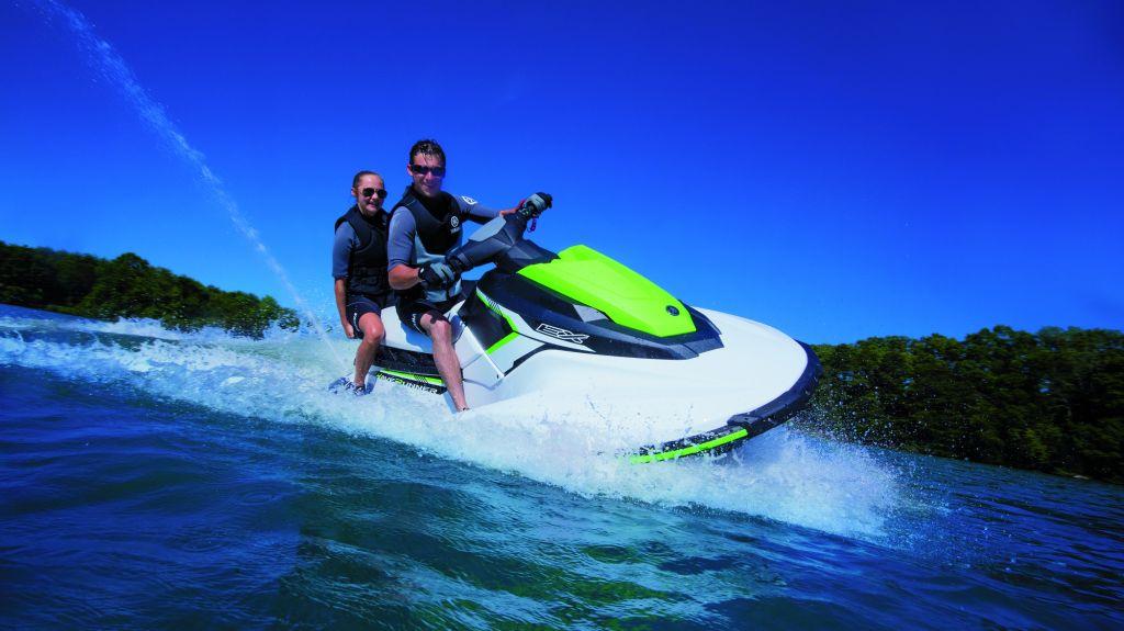 jet explorer jet ski rentals at les sables d 39 olonne and port bourgenay in vend e france. Black Bedroom Furniture Sets. Home Design Ideas